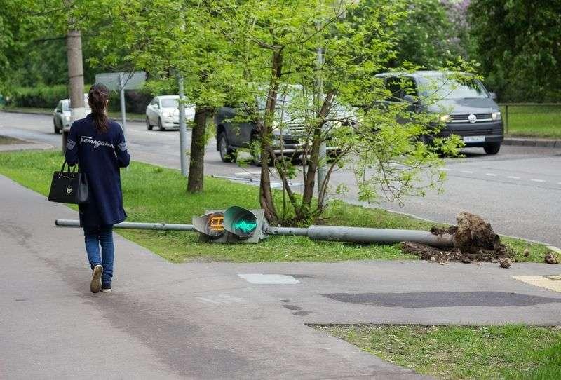 МЧС предупредило волгоградцев об усилении ветра