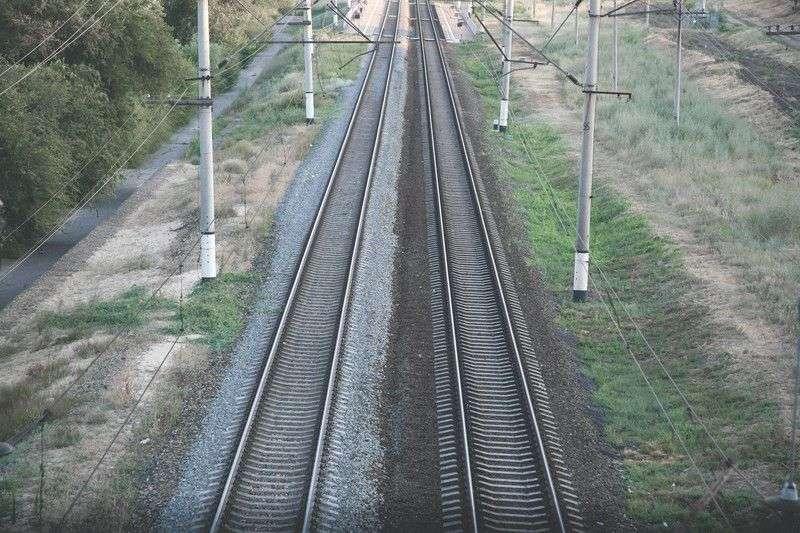 Трое волгоградцев попались на краже железнодорожных рельс
