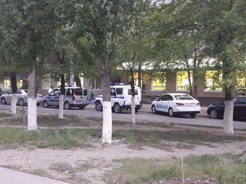 В Кировском районе неизвестный в медицинской маске ограбил Сбербанк