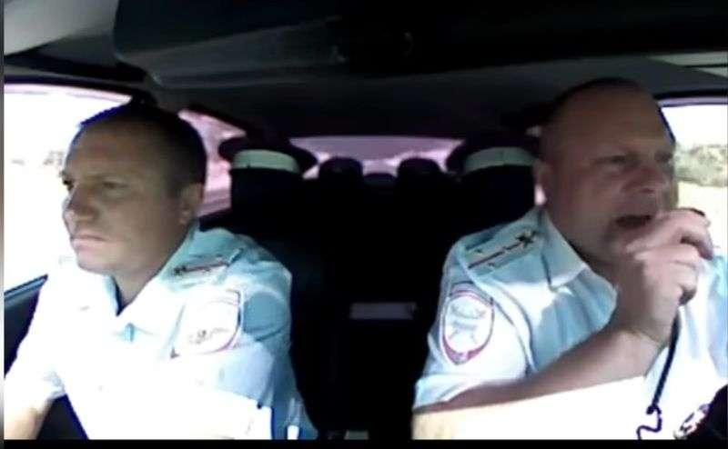 Награжден полицейский, пострадавший от рук налетчиков в Камышине