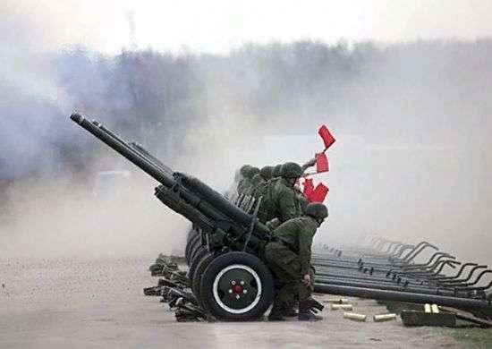 Артиллеристы отрепетируют салют на набережной Волгограда