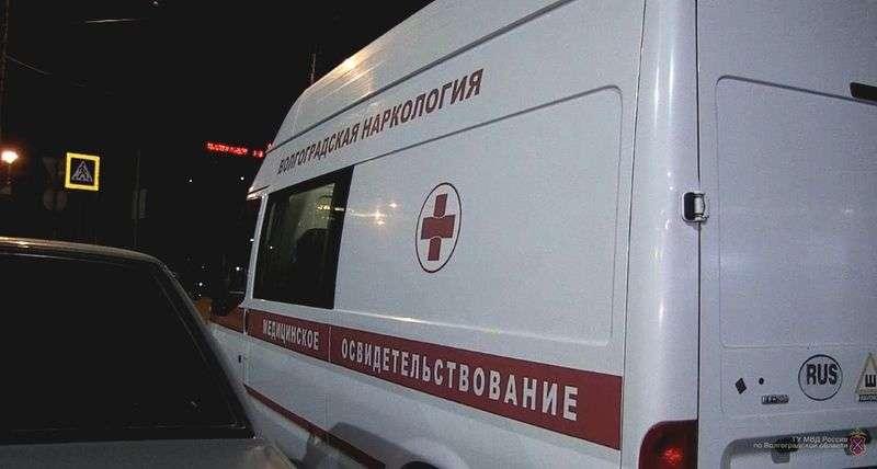 В Волгограде в ночных клубах полиция выискивает наркоманов