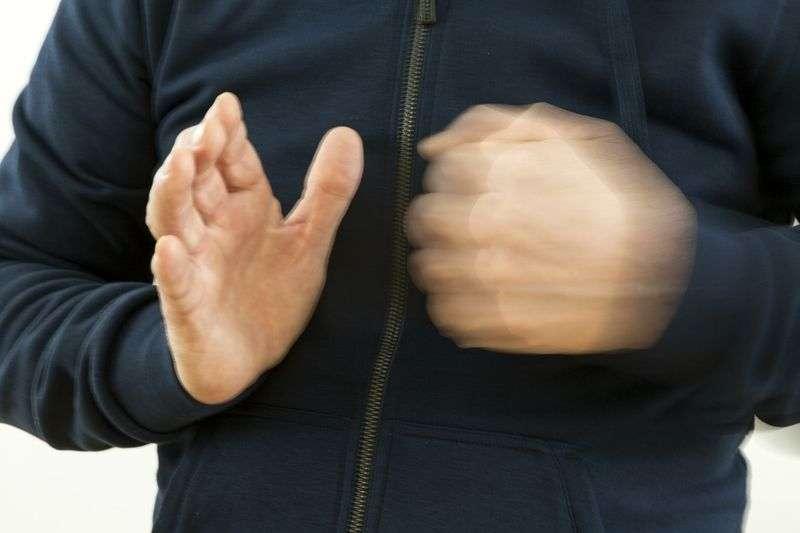 Волгоградец напал на чету пенсионеров