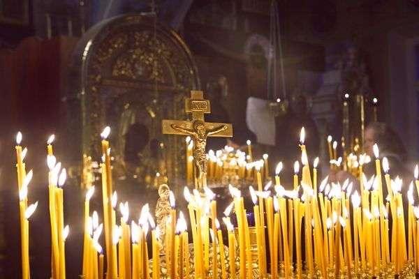 Волгоградцы помолились за погибших при нападении на храм в Грозном