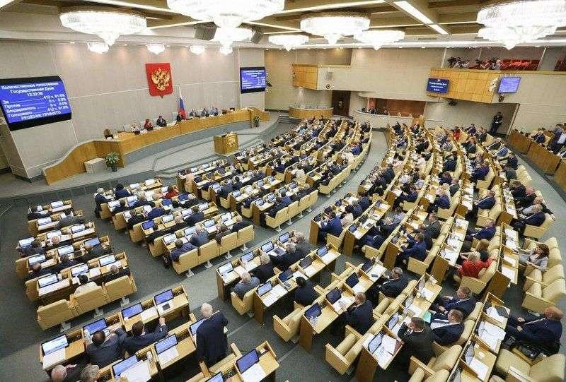В Госдуму внесли законопроект о трех президентских сроках подряд