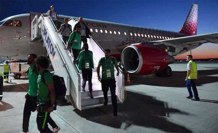 Самолет с футболистами сборной Саудовской Аравии загорелся в воздухе
