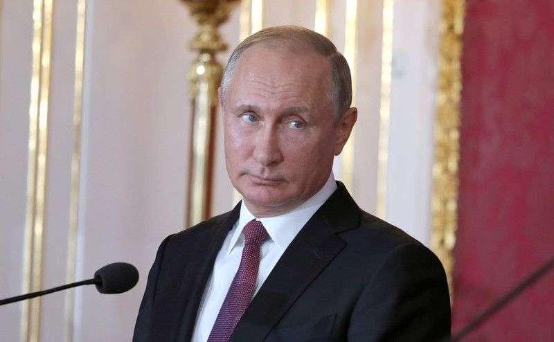 Путина спросили, когда в Волгограде начнется белая полоса