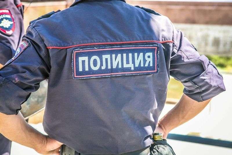 Полиция Волгограда спасла упавшую горожанку