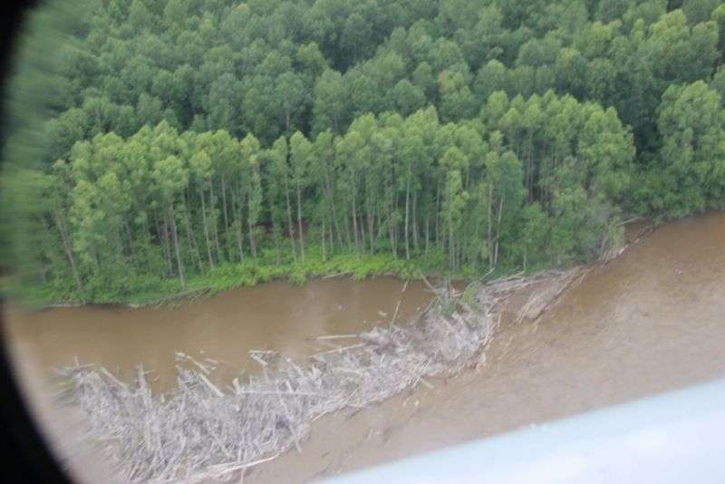 В реке перевернулся еще один катамаран