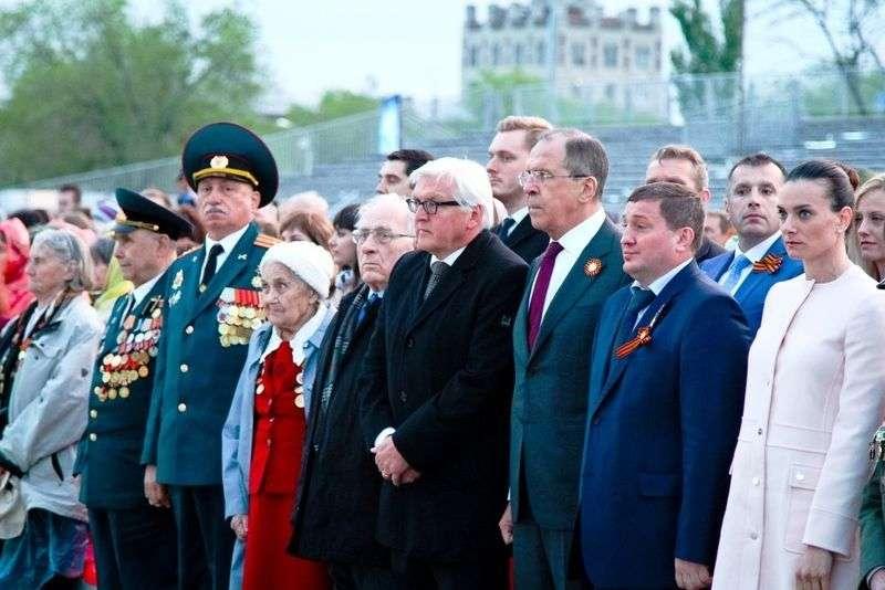 МИД России прокомментировал возложение цветов на Мамаевом кургане британскими дипломатами