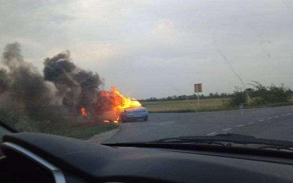 Началась проверка по факту гибели мужчины с маленьким ребенком в сгоревшем авто