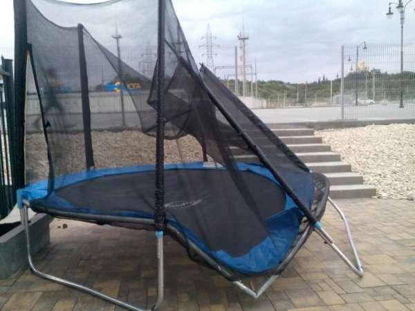 Волгоградцы сломали новый батут в парке у подножия Мамаева кургана