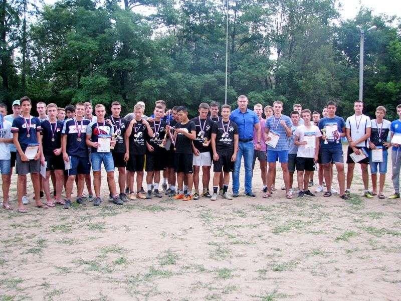 Волжане отметили 100-летие ВЛКСМ футбольным турниром