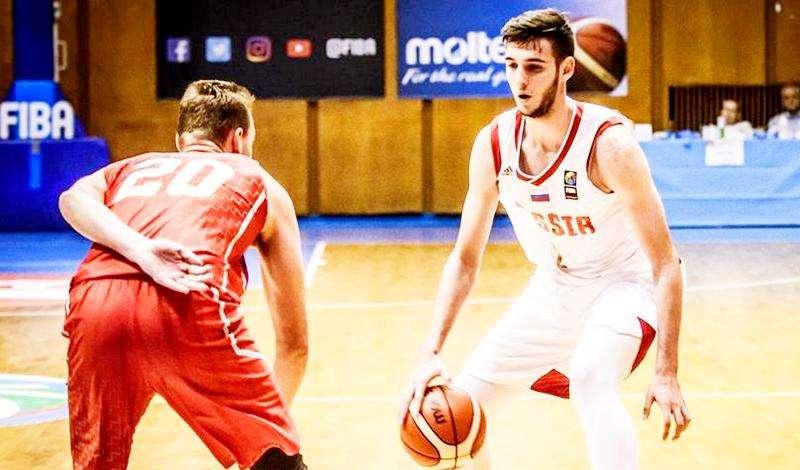 Команда Антона Юдина вышла в четвертьфинал