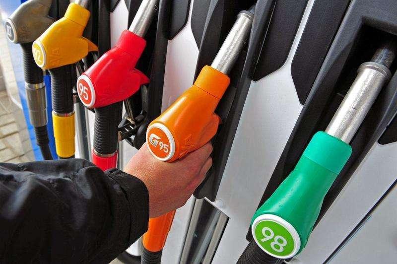 В Волгоградской области продолжает дорожать бензин