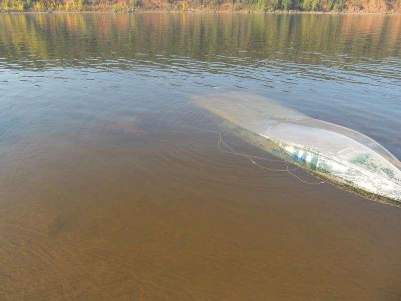 В Астраханской области перевернулась лодка с детьми: есть погибшие