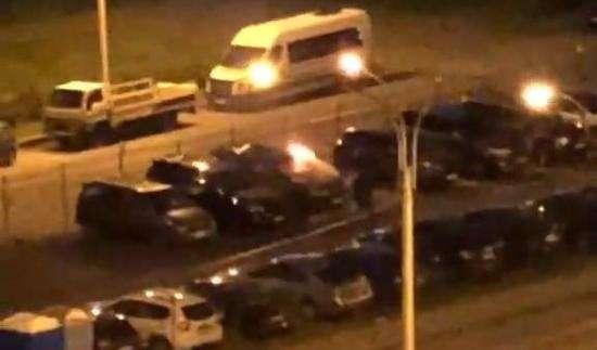Волгоградскому бизнесмену на платной стоянке сожгли Land Cruiser