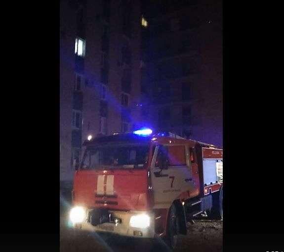 В Волгограде эвакуировали 40 жильцов девятиэтажки из-за пожара