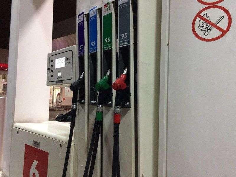 В регионе перестали расти цены на бензин