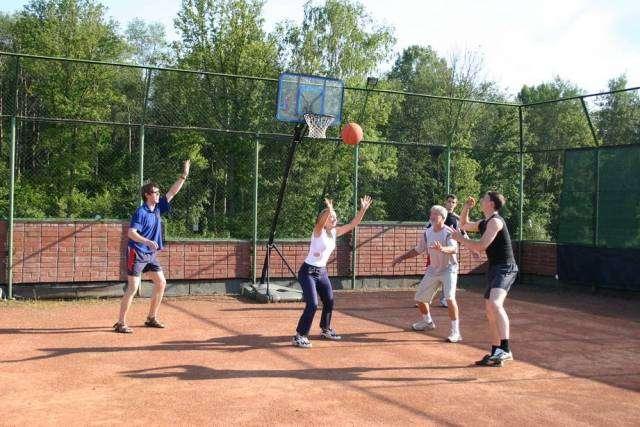 В Ворошиловском районе во вторник состоится открытие новой спортивной площадки