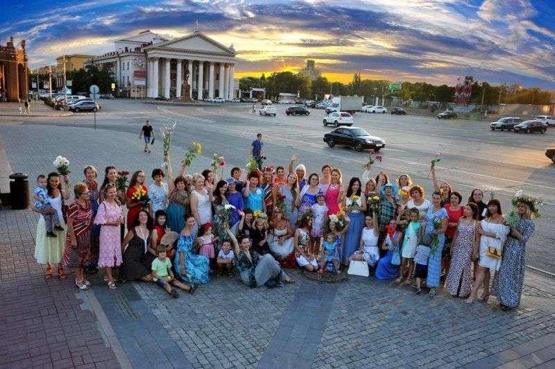 Волгоградские женщины готовятся к красивому флешмобу