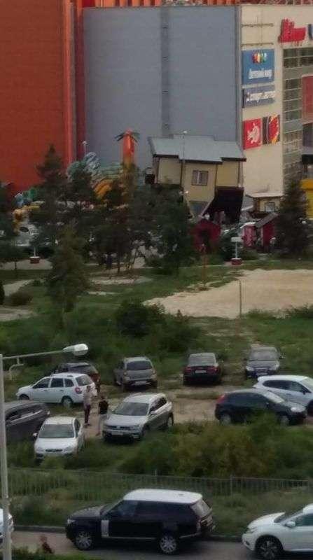 На территории ЦПКиО появилась парковка