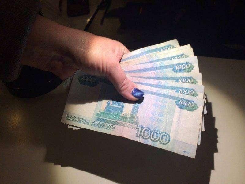 В Волгограде нерадивая мать пыталась откупиться от пристава деньгами