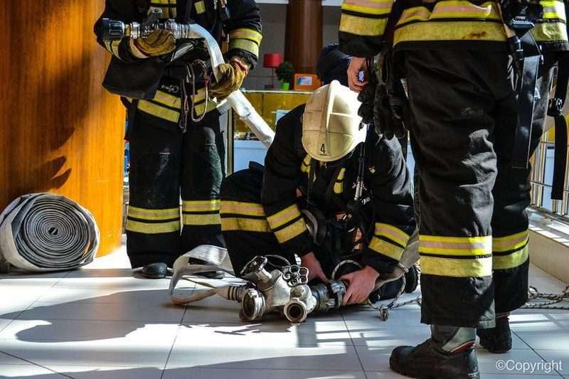 В Волгограде горит здание ВолГАУ