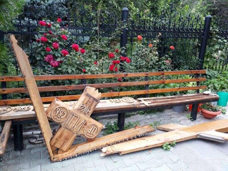 В Волгограде задержали вандала, сломавшего крест у храма Ионнна Предтечи