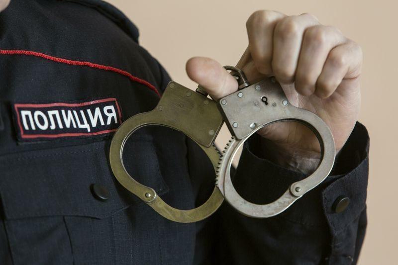 Сотрудник колонии-поселения задержан при получении взятки от заключенного