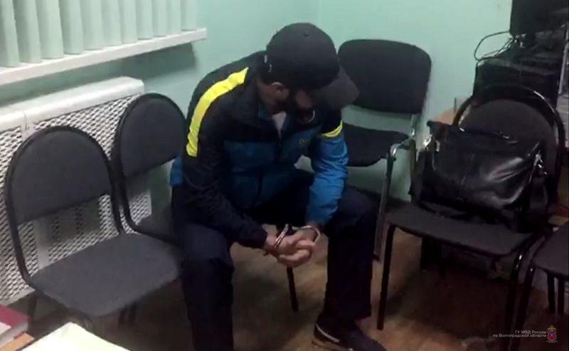 Волгоградские полицейские отыскали беглого поставщика контрафакта