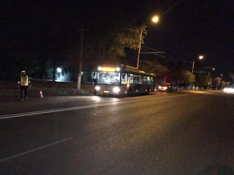 На севере Волгограда водитель автобуса сбил пешехода