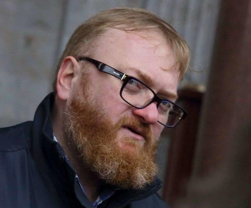 Милонов предлагает продавать шаурму в здании парламента