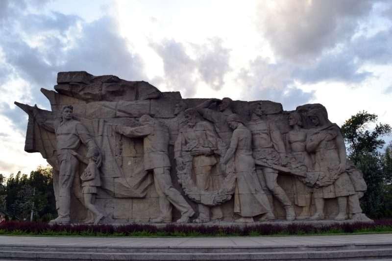 «Героям Сталинградской битвы» исполняется 51 год