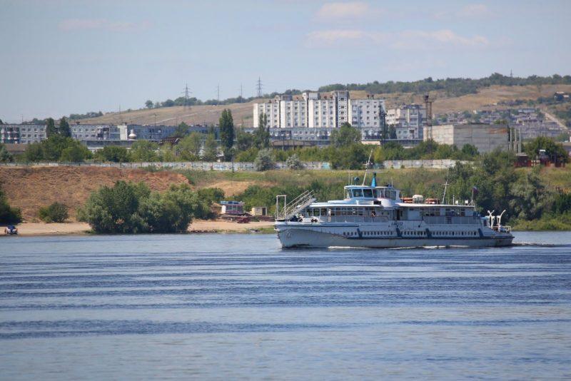 Волгоградский речной флот готовят к холодам