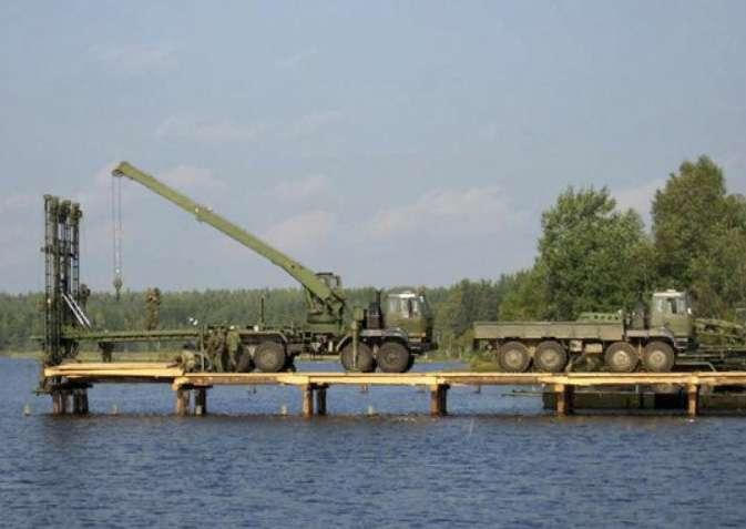Деревянный железнодорожный мост военные собрали за 3 часа