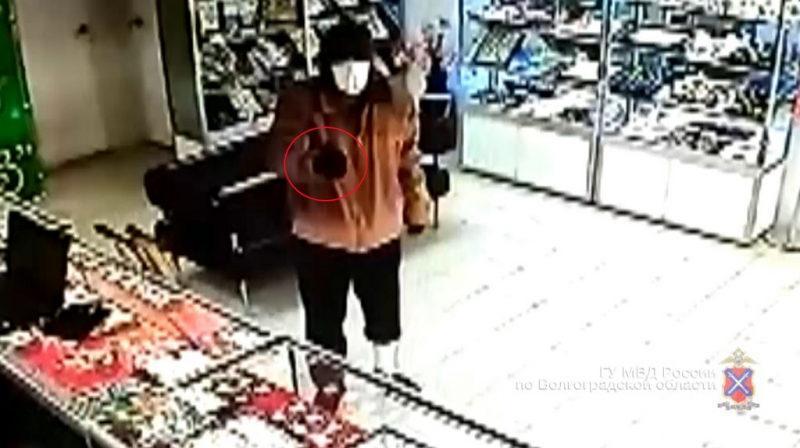 В Котово поймали злостного рецидивиста из Михайловки
