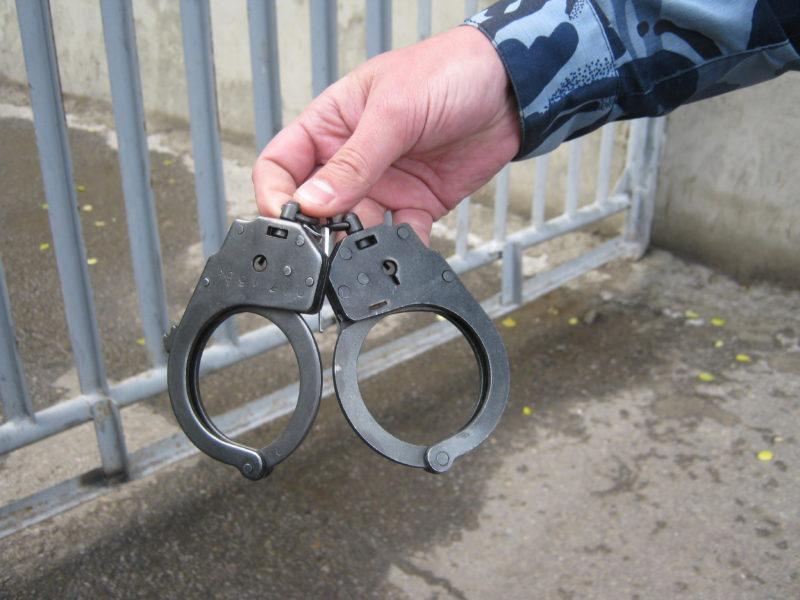 Задержанный в Палласовке дебошир оказался в федеральном розыске