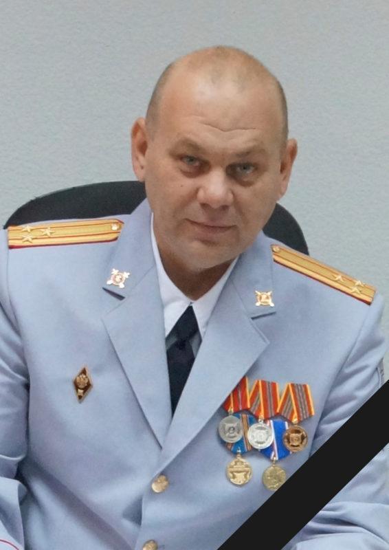 """В Волгограде на рабочем месте умер начальник """"убойного"""" отдела"""