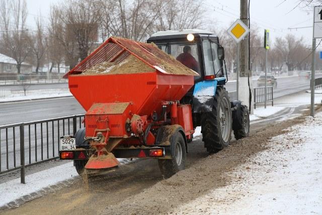 Дороги от наледи в Иловле обработали на 1,5 млн рублей лишь по бумагам