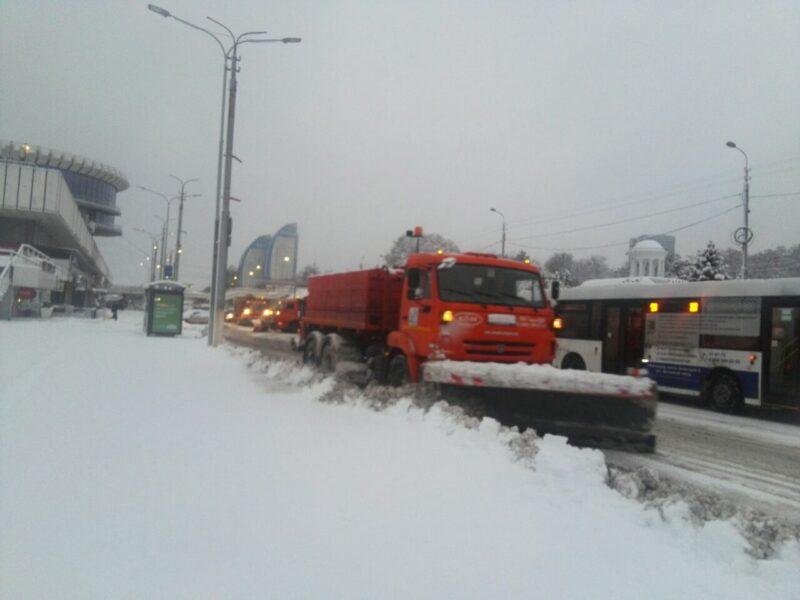 Волгоградских водителей предупреждают о сильном снегопаде 11 января