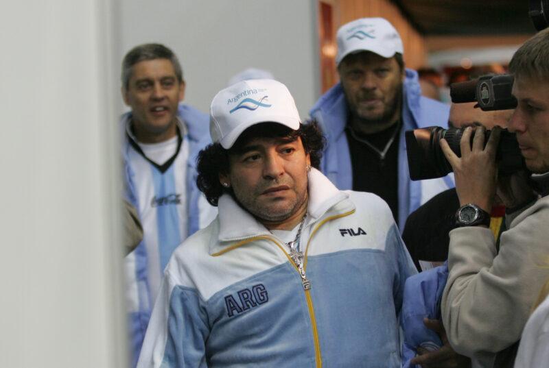 58-летний Диего Марадона попал в больницу с кровотечением