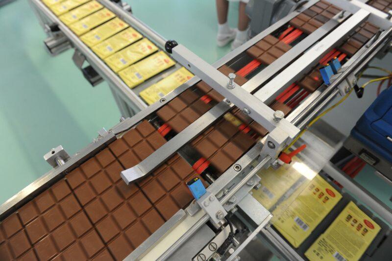 49-летнего волгоградского «сладкоежку»-рецидивиста задержали за кражу шоколада