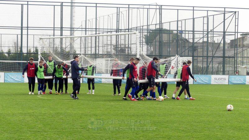 Волгоградский «Ротор» отменил одну тренировку, а Денис Якуба уже отправился домой