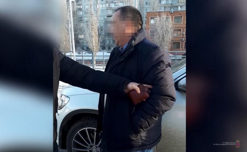 58-летний коммерсант задержан с поличным при попытке «подкупить» полицейского