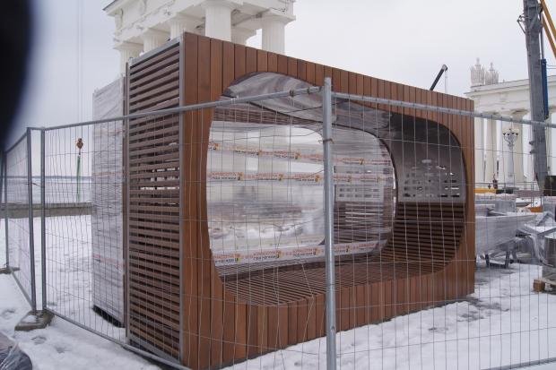 На Центральной набережной Волгограда установят 300 овальных скамеек