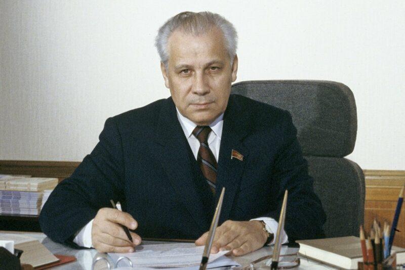 В 88 лет умер последний председатель Верховного совета СССР