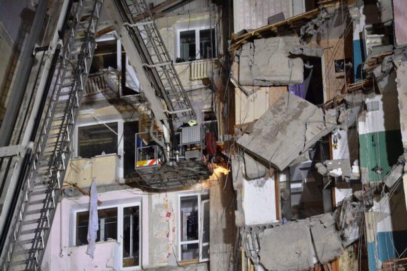МЧС: Под завалами дома в Магнитогорске погибли 11 человек