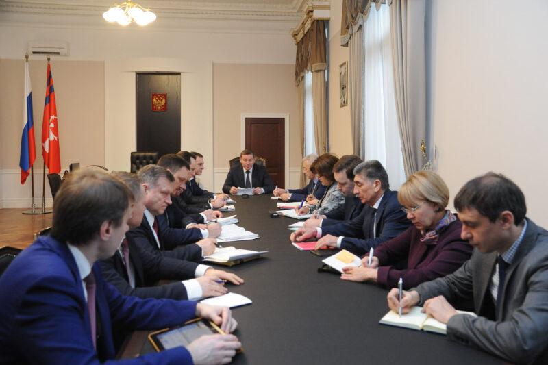 Бочаров потребовал до 1 февраля стабилизировать ситуацию с вывозом мусора