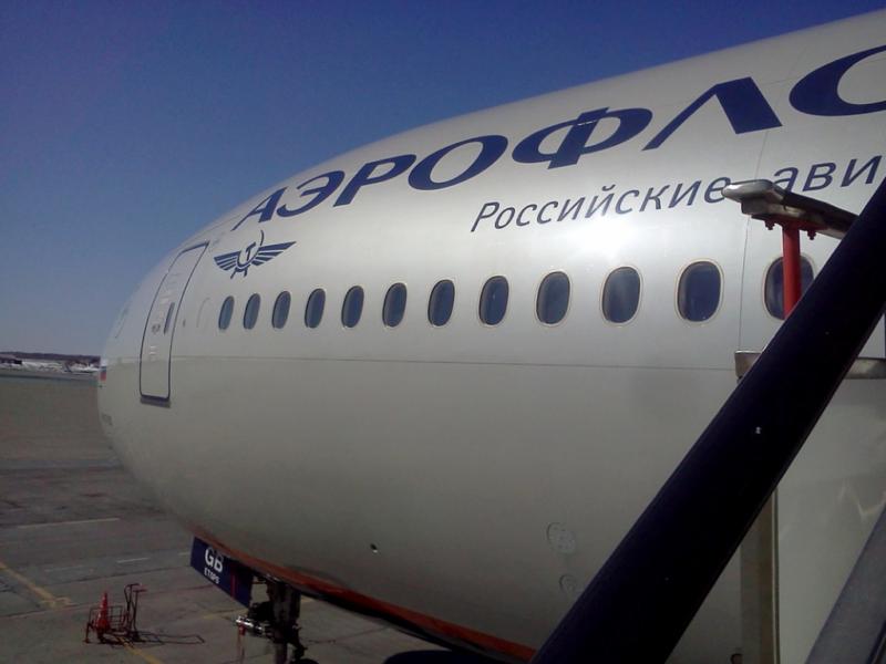 СМИ: Пассажир рейса Сургут – Москва потребовал направить самолёт в Афганистан
